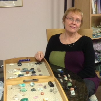 Crystal Readings & Crystal Healings with Sara Cope
